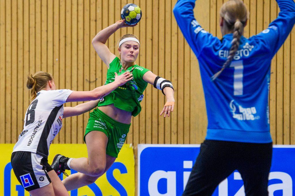 181220 Skurus Cornelia Dahlström under handbollsmatchen i SHE mellan Skuru och VästeråsIrsta den 20 december 2018 i Stockholm. Foto: Simon Hastegård / Bildbyrån / Cop 118